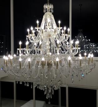 LUSTRE ITALIANO 55 LAMPADAS DOURADOS