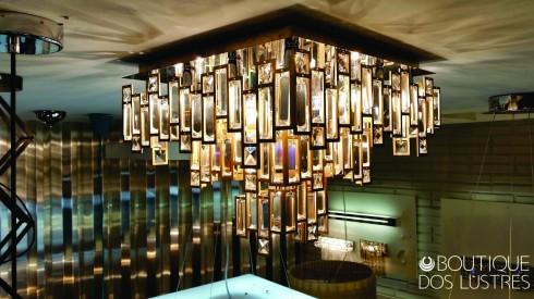 luminaria-plafon-de-ferro-forjado-a-mao-e-cristais--8a1c97a26c12f2c063f8f19f54cdc6f6.jpg